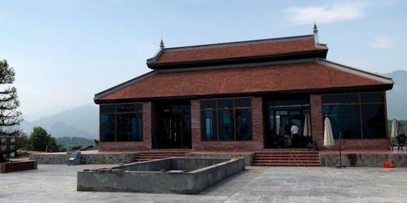 Đá xanh rêu băm hình đồng tiền cổ lát sân nền công trình đình chùa