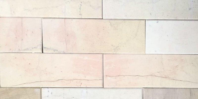 Đá chà cát vàng 7,5x22cm mài vát cạnh ốp tường trang trí nội ngoại thất