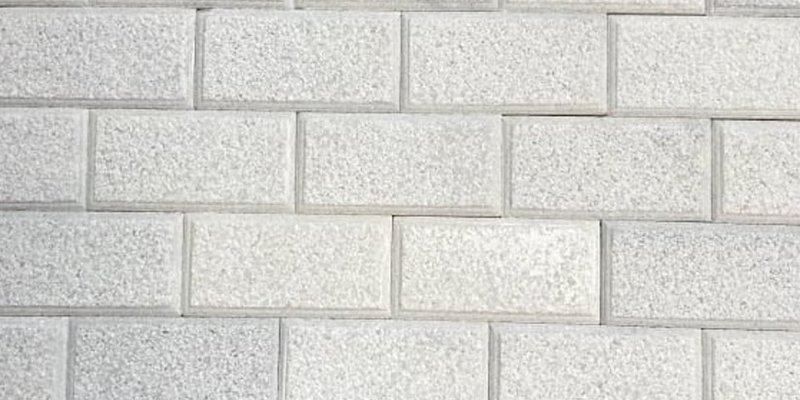 Đá ốp tường trang trí nội thất đẹp với đá băm giả cổ màu trắng muối soi cạnh 10x20cm