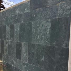 Đá tự nhiên mài mịn màu xanh rêu kt 40x40cm-VL196